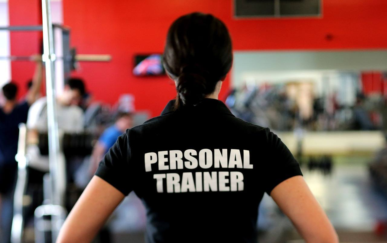 Start workouts with the help of a personal trainer
